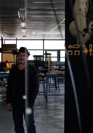 Christophe Gillet vérifie l'alignement d'une Cigogne